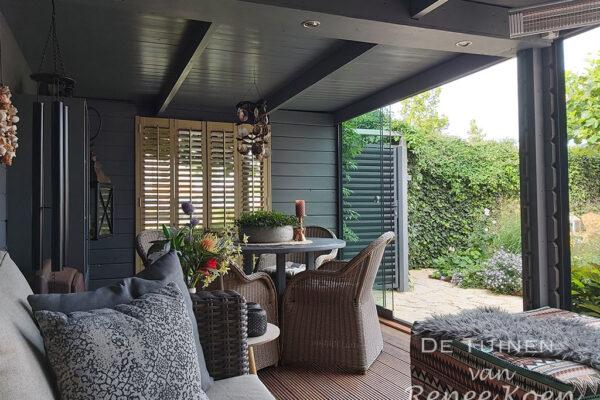 De-Tuinen-van-Renee-Koen-achtertuin-Heerhugowaard-met-veranda
