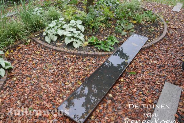 De-Tuinen-van-Renee-Koen-Mijnsplit-betonstroken-duurzame-voortuin